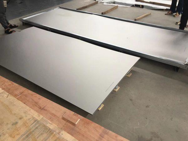 titanium plare