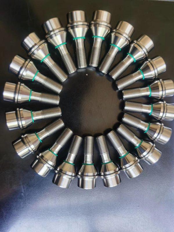 titanium lug bolts